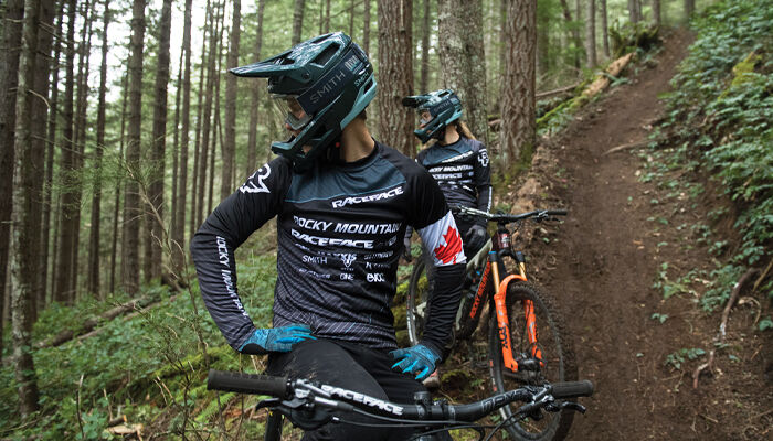 Rocky Mountain Enduro riders wearing Smith Mainline Helmets