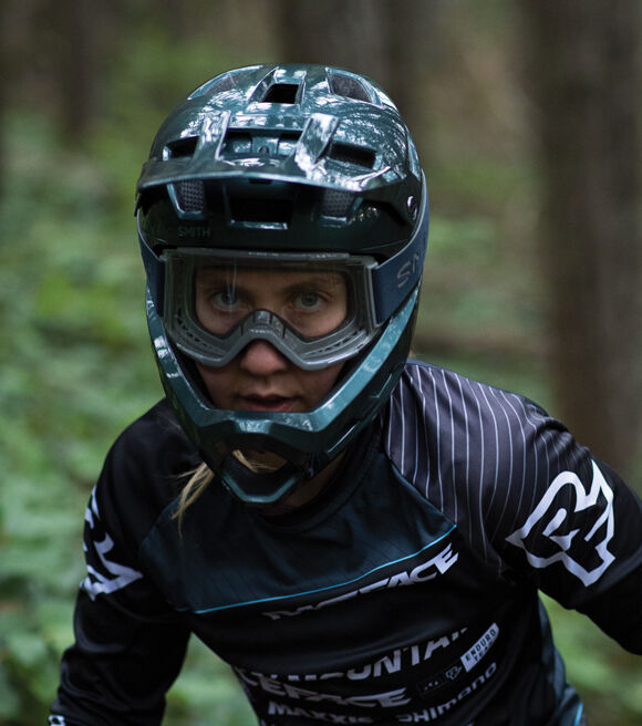 Rider wearing Mainline helmet and Squad XL MTB